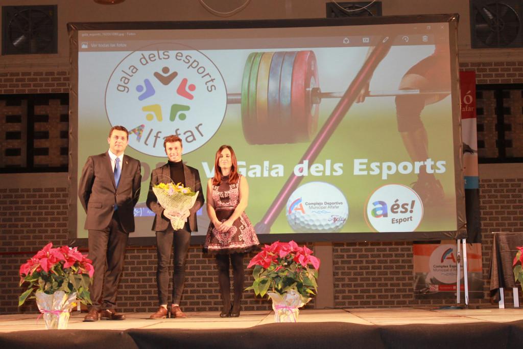 Rubén Orihuela junto al Alcalde de Alfafar en la Gala dels Esports de Alfafar 2016